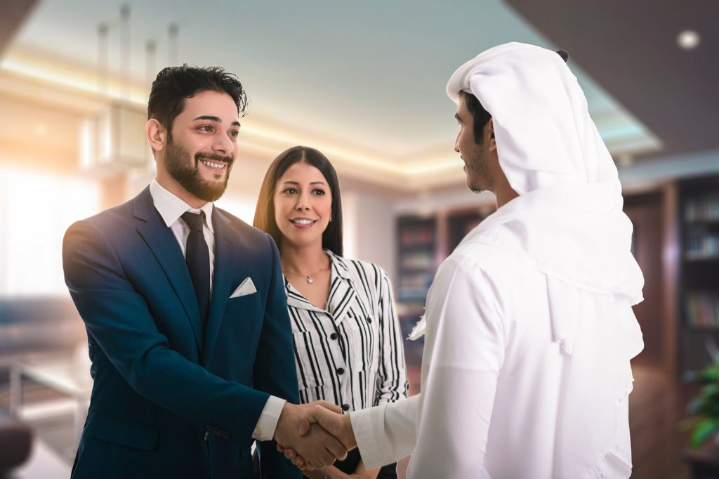 Steps to Follow While Hiring Expats in the UAE